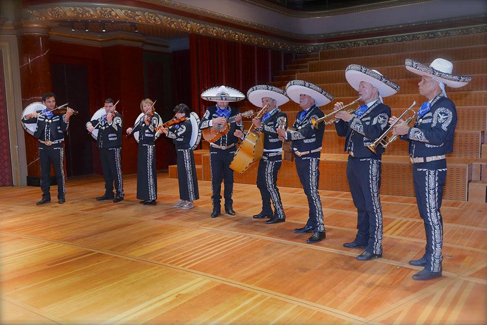 mariachi-home-3